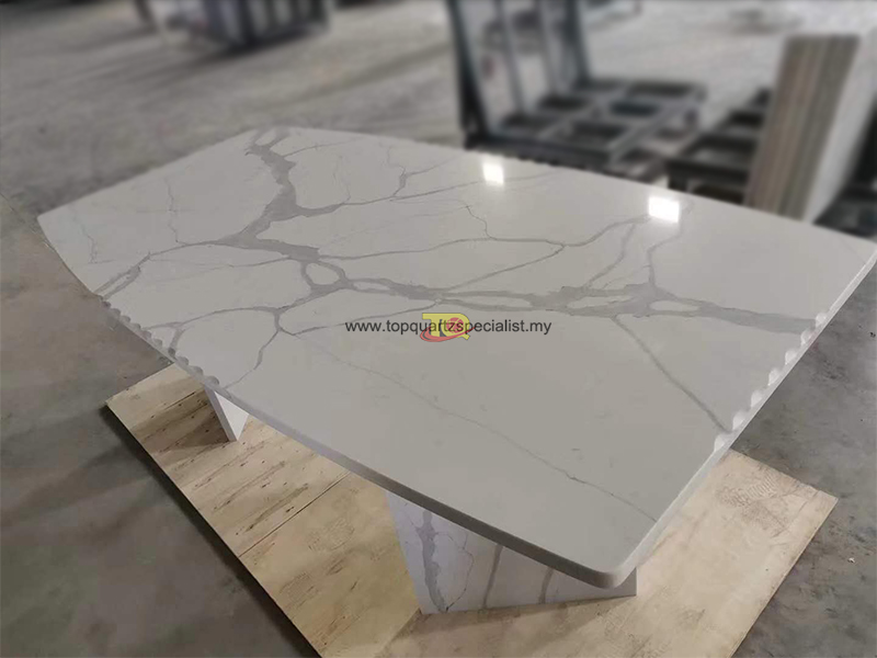 Table design white calacatta qu​