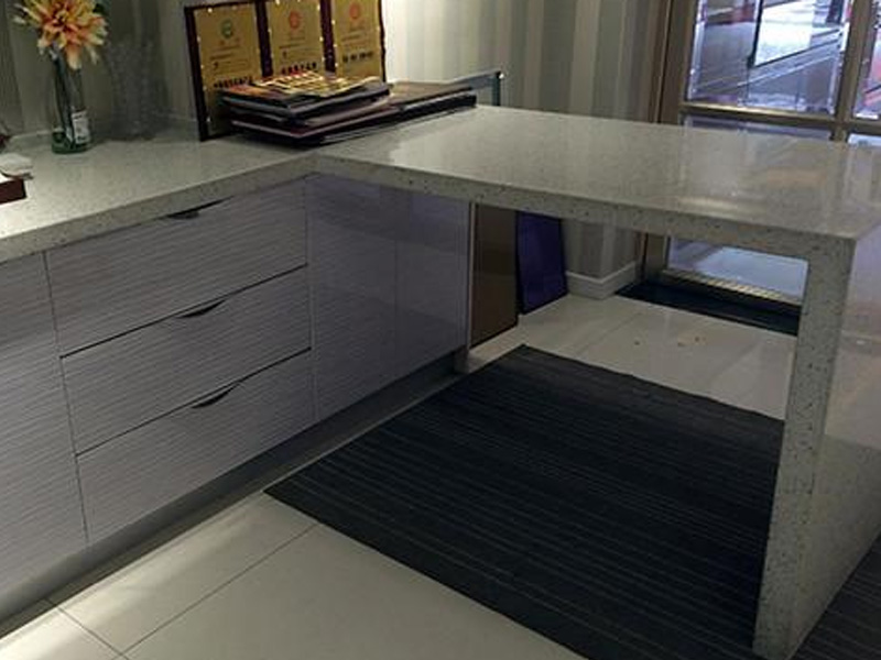 Maintenance and cleaning methods of quartz stone cabinet countertops